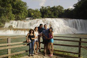Mirador de las Cascadas de Agua Azul en Chiapas